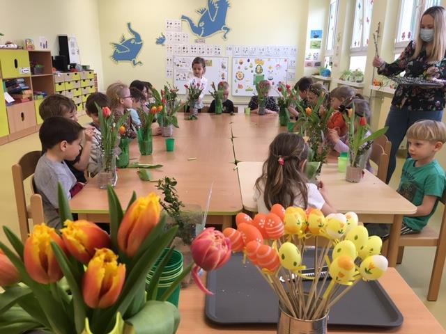 Warsztaty florystyczne w grupie IV