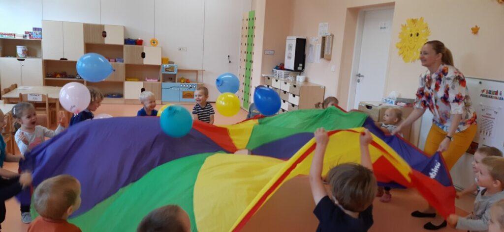 Dyżur wakacyjny w przedszkolu – informacja o wolnych miejscach